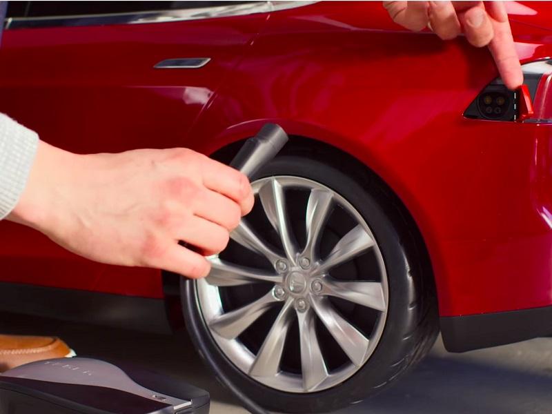 El pequeño coche también podrá ser completamente personalizado con colores de pintura y accesorios auténticos