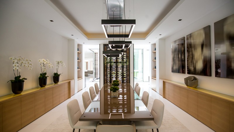 Esta mega mansión de vidrio con asombrosas características ya tiene nuevos dueños