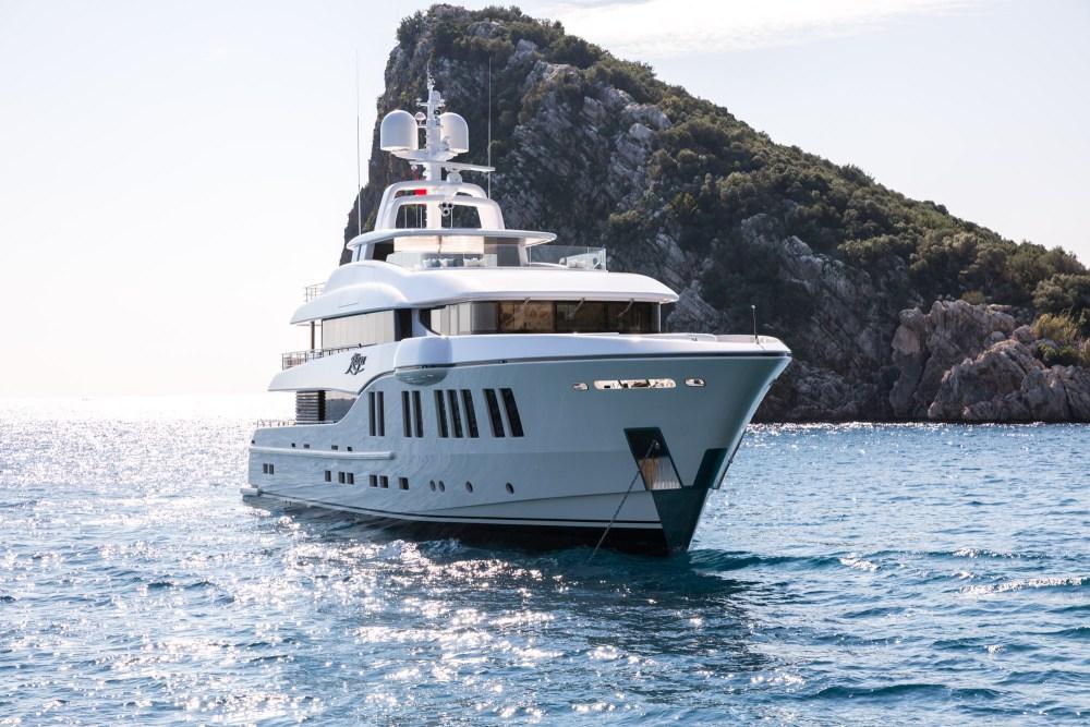 RÜYA: Espectacular Mega Yate De 41Metros Por Alia Yachts