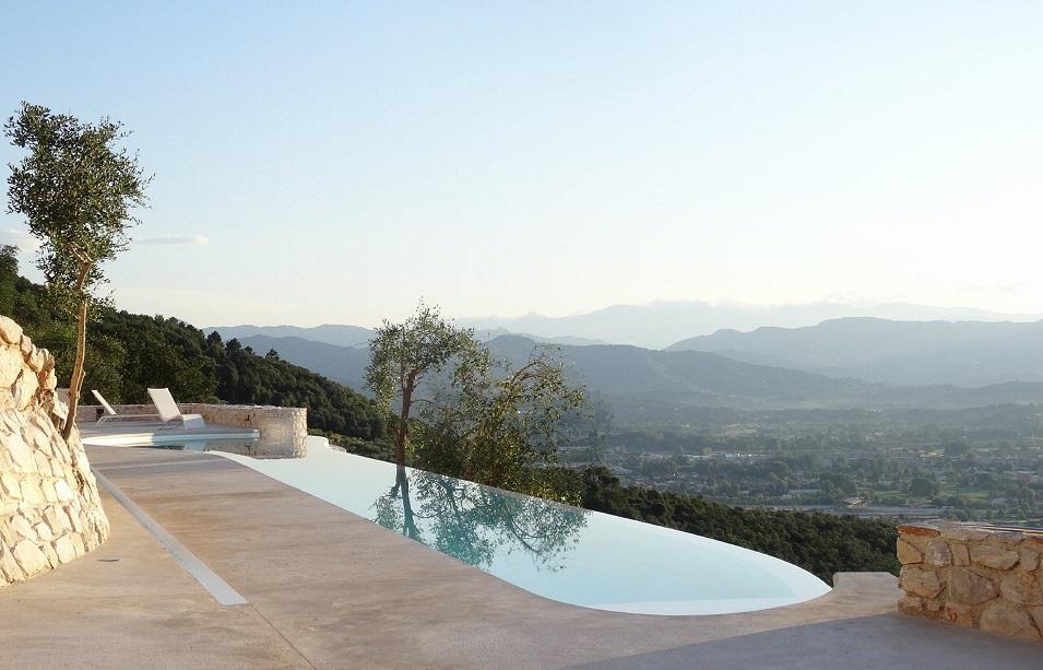 Casa Farfalla: Mega espectacular villa en la Toscana, un proyecto de Michel Boucquillon y Donia Maaoui