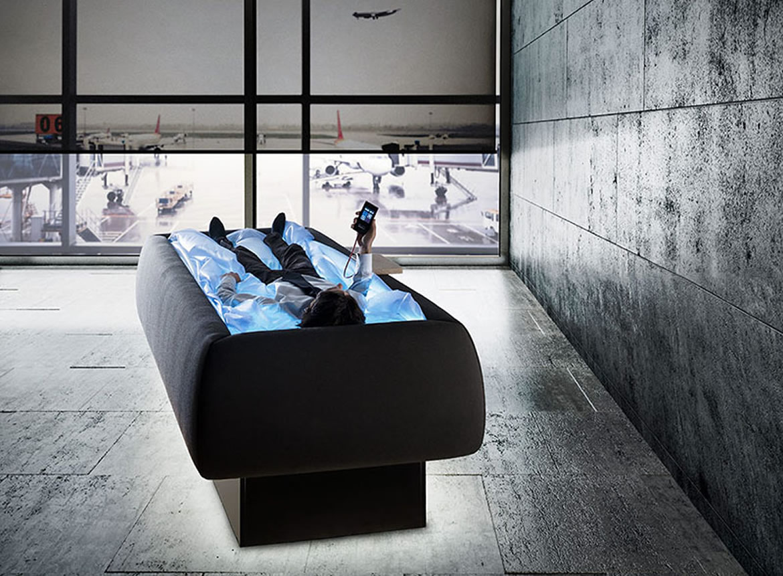 En esta cama teraupeútica te sentirás como si estuvieras flotando en unapiscina