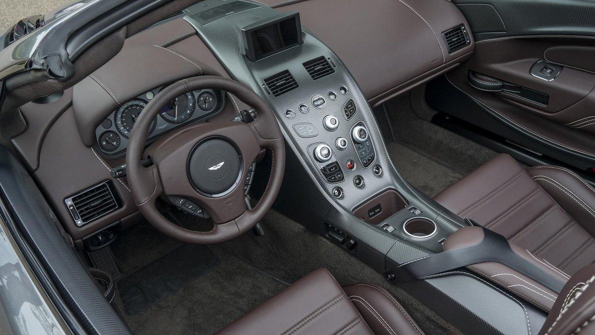 """¡UNO Y SÓLO UNO! Exclusivo Aston Martin Vantage GT12 """"Descapotable"""""""