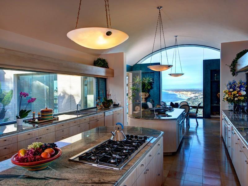 Entra a esta mega espectacular mansión contemporánea en La Jolla, California