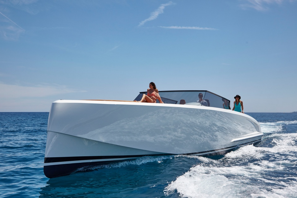 Vanquish Yachts Presenta Su Primer Yate Súper Deportivo