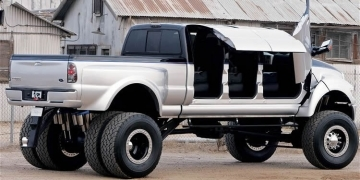 Super Truck Ford F650 6x6 Con Puertas De Mariposa