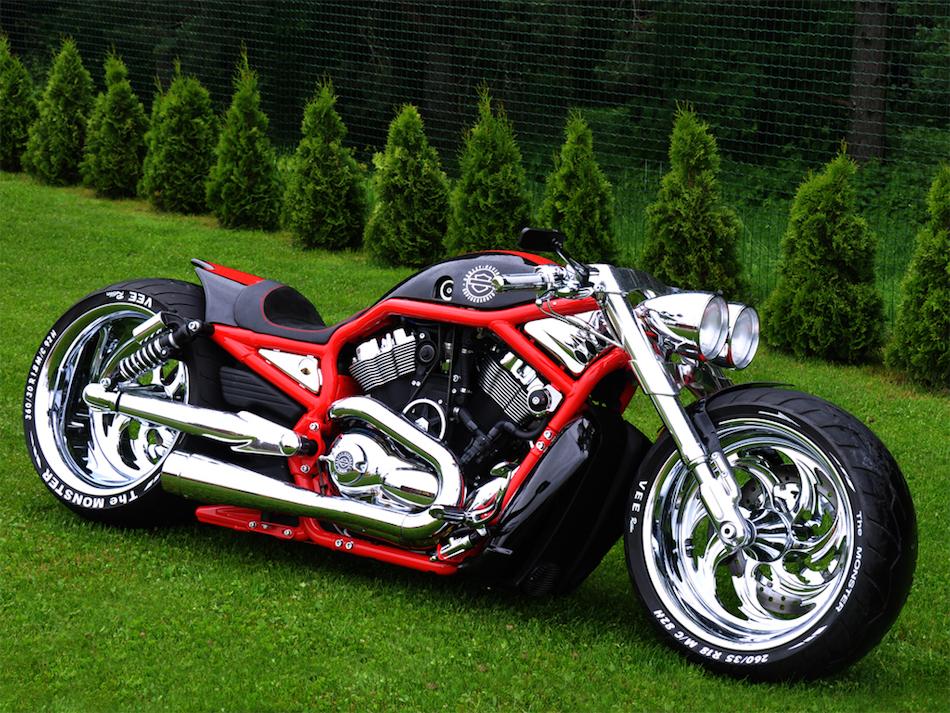 Harley Davidson V-Rod Turbo Alimentada, Estonia