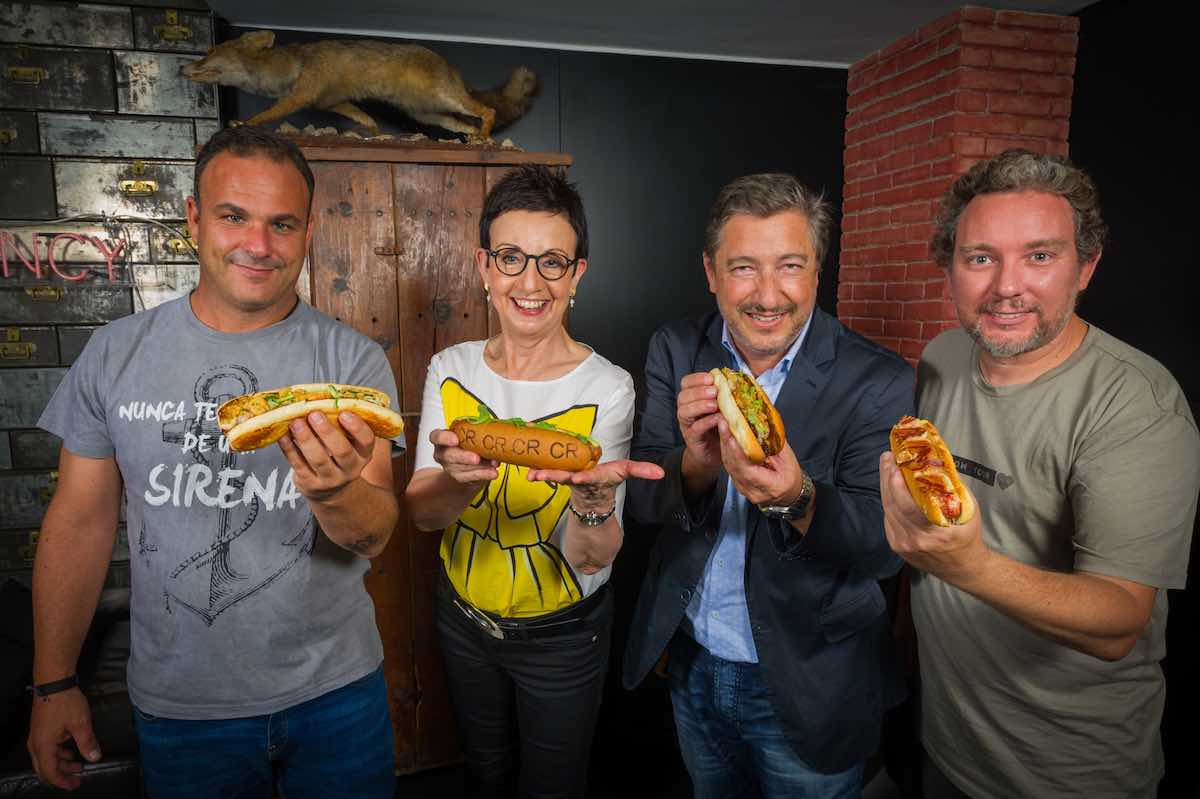 Carme Ruscalleda, Ángel León, Joan Roca y Albert Adrià unidos por los hot dogs en PDT, Please Don't Tell