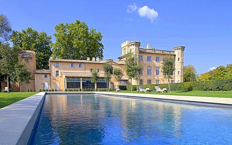 Aquí está tu oportunidad de alquilar un auténtico castillo en Francia