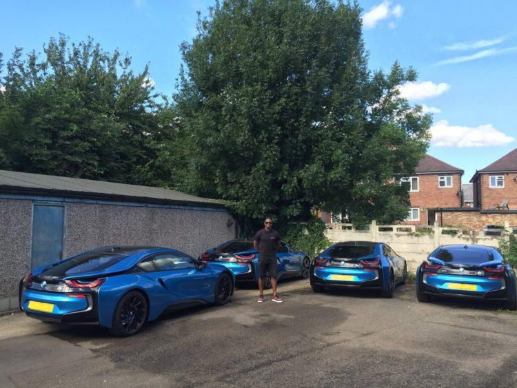 Los jugadores de Leicester City pintaron sus BMW i8 tras una vacía confusión
