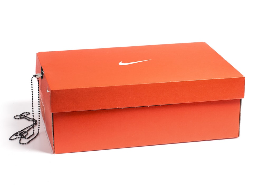 Mantén tus más valiosas pertenecías seguras en esta caja fuerte disfrazada de caja de zapatos Nike