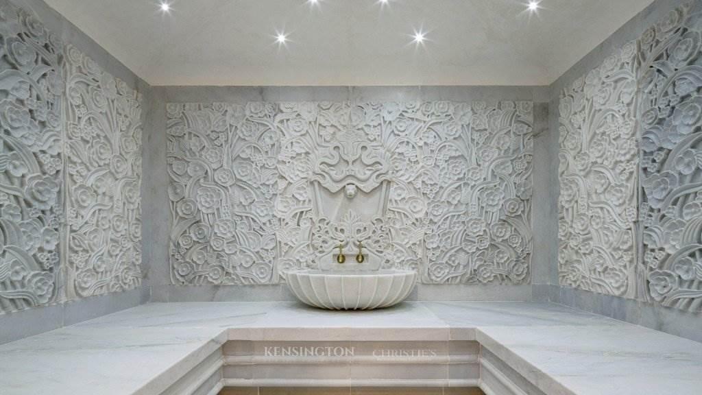 Villa Marbella: Una lujosa mansión con vistas increíbles a la venta en Marbella, España
