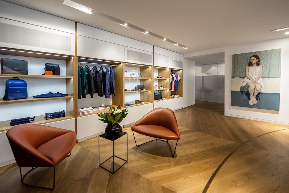 """Aston Martin abre su primer """"centro de experiencia global"""" en Nº 8 Dover Street, Londres"""