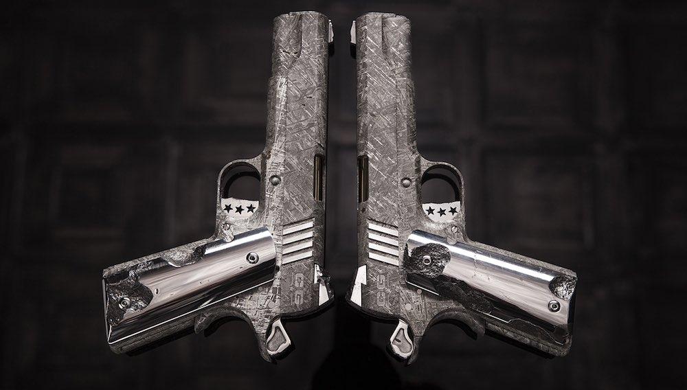¡Literalmente De Otro Mundo! La Pistola Big Bang, hecha de un meteorito, con un precio de $4.5 millones