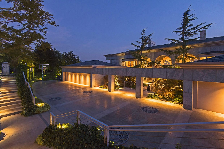 Esta deslumbrante mansión en Salt Lake City, Utah, a la venta en $7.9 millones tiene la elegancia de un palacio y la calidez de un hogar