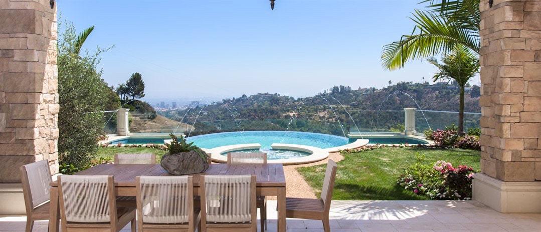 Casa Lago: Una mega espectacular villa de estilo mediterráneo en Bel Air a la venta por $34,9 millones