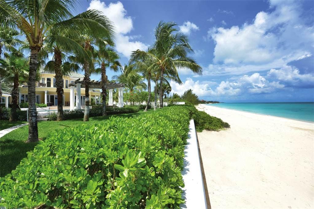 AHORA puedes comprar este paraiso frente a la playa de Old Fort Bay, Bahamas por $12.9 millones