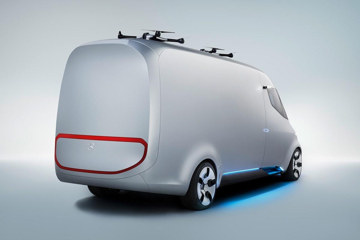 La furgoneta VISION de Mercedes-Benz integró DRONES en el techo para opciones de entrega más rápidas