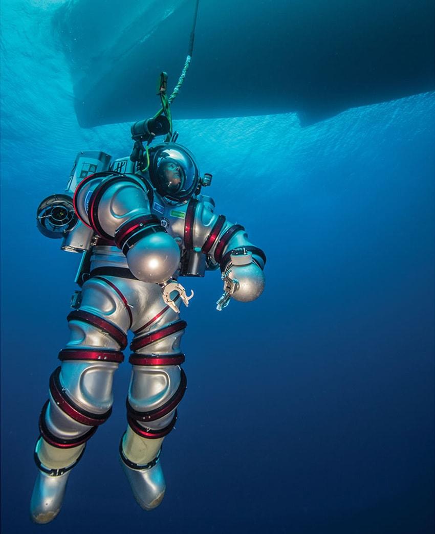 EXOSUIT, un traje de buceo de $825.000 que te transforma en un submarino humano