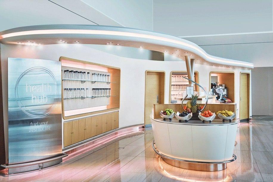 El salón de la clase business de Emirates Airlines en el aeropuerto de Dubái obtiene una transformación de $11 millones