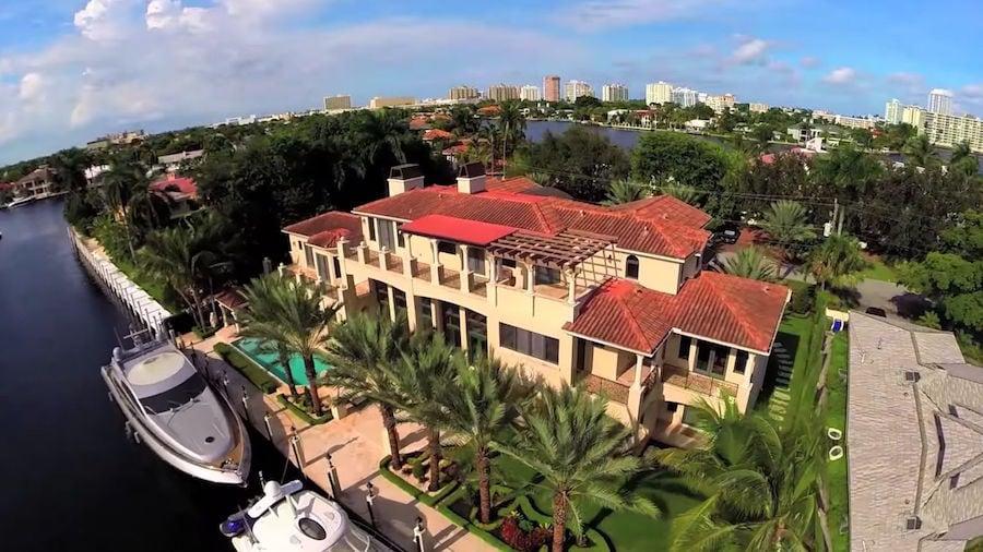 El Rapero Rick Ross acaba de vender su mansión frente al mar en el sur de la Florida por $6 millones