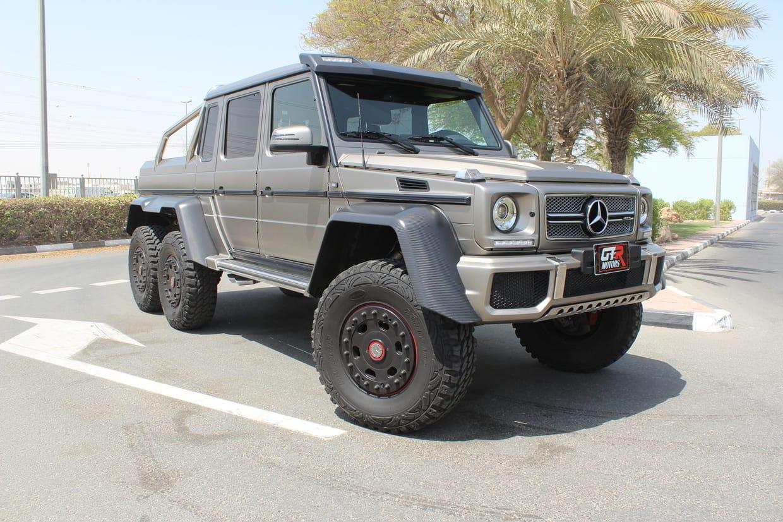Poderoso todoterrenos Mercedes-Benz AMG G63 6X6