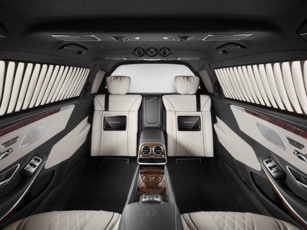 La nueva limusina blindada repleta de todos los lujos Mercedes-Maybach S600 Pullman Guard valorada en $1.5 millones es a prueba de rifles y granadas