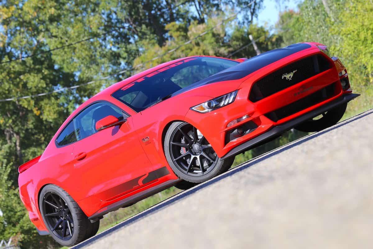 Este monstruoso Mustang Steeda Q750 StreetFighter 2017 viene con 825 caballos de fuerza