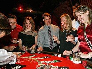 Ganar la lotería siempre es una opción para hacerse de una fortuna en un abrir y cerrar de ojos.