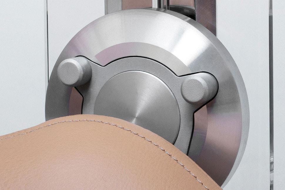 Esta espectacular silla de $26,000 desafía la gravedad… y es muy cómoda