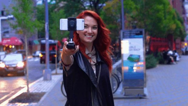 SMOVE: El genial estabilizador de smartphones para fotos y vídeos que contiene un cargador incorporado