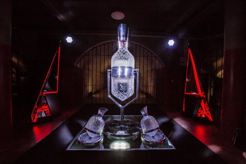 Penfolds se asocia con Saint-Louis para fabricar una garrafa de Grange de $185,000