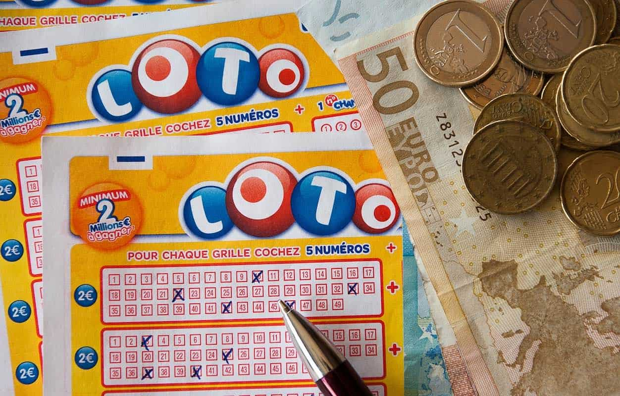Quiso darle una lección a su esposo de no jugar a la lotería y terminó ganando ¡$1 millón!