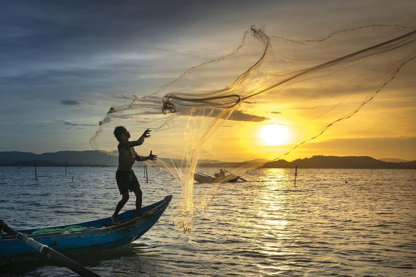 """Un pescador de Omán encontró un """"tesoro"""" en el mar que lo convirtió en millonario"""