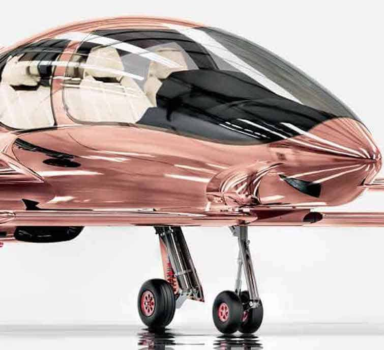 Cobalt presentó este avión privado Valkyrie-X en oro rosado por $1.5 millones