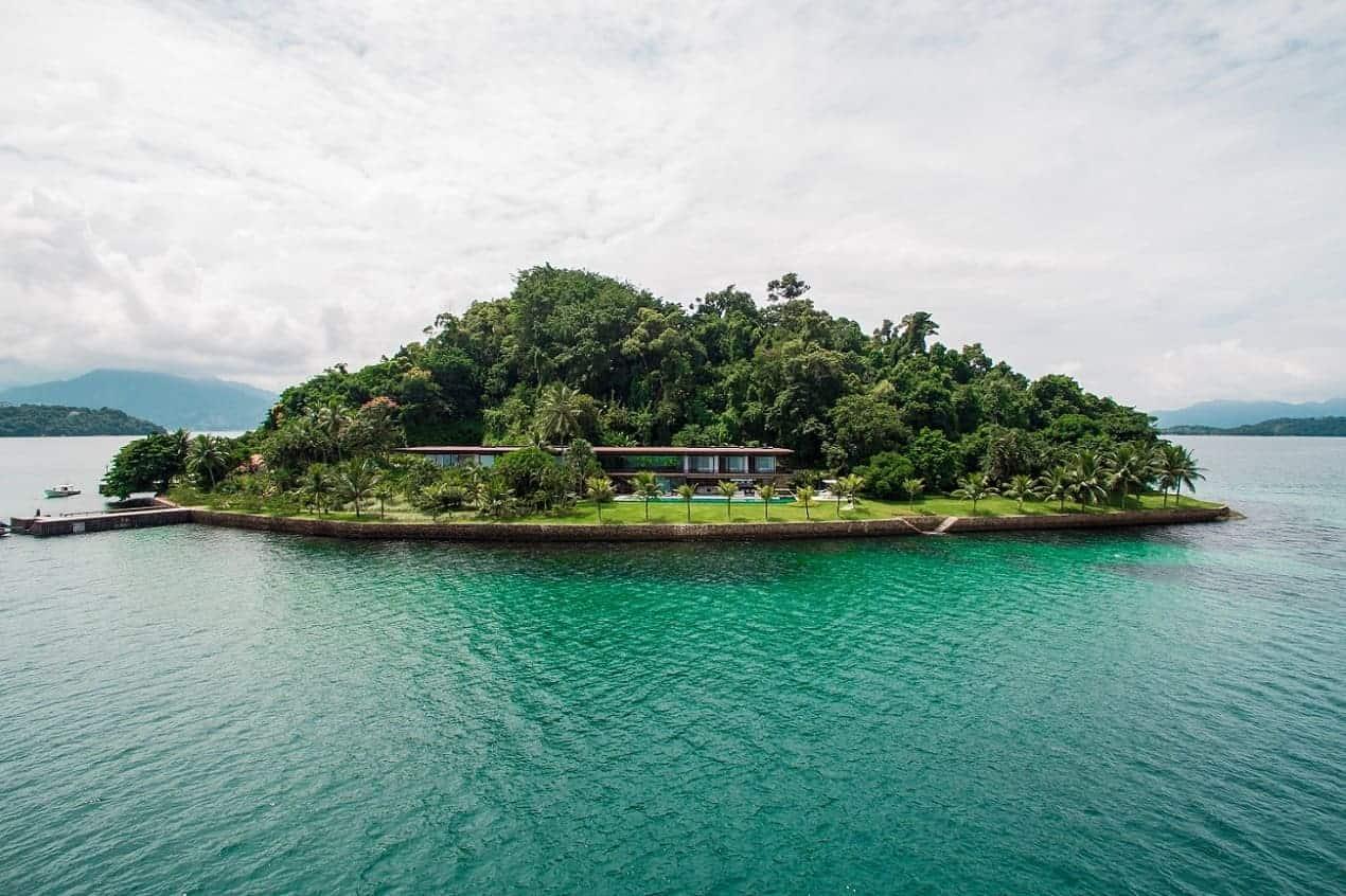 AB House: Una maravillosa casa de lujo ubicada en una isla privada en Río de Janeiro
