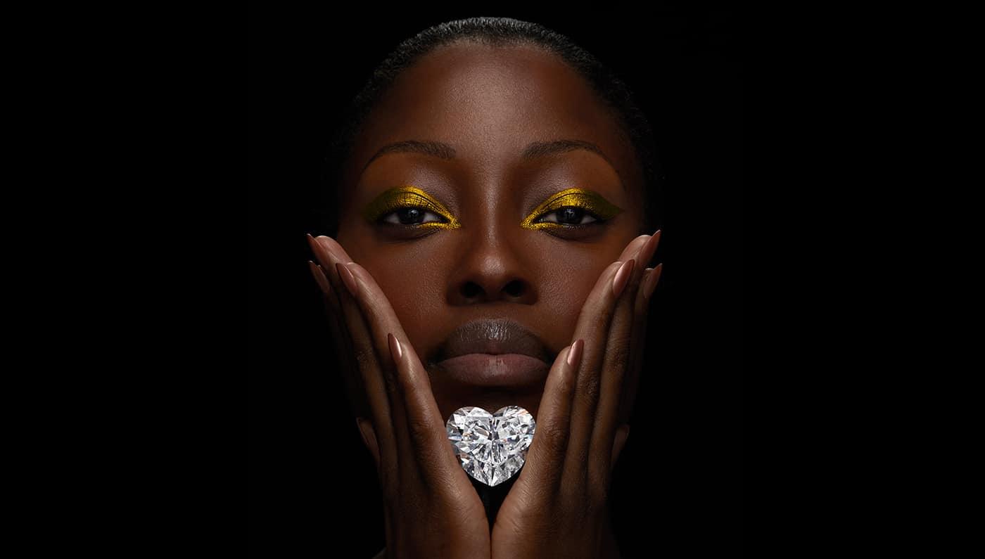 GRAFF presenta el diamante más impecable en forma de corazón más grande del mundo