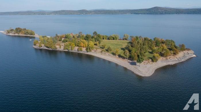 Ahora puedes cumplir tu sueño de comprar tu propia isla privada en Vermont por $1.5 millones