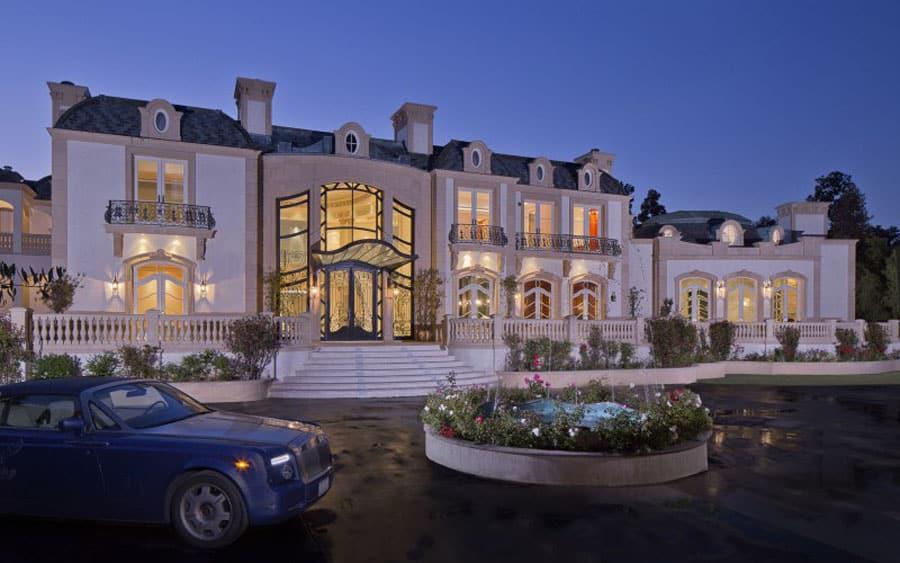 Esta espectacular mansión de $72 MILLONES en Beverly Hills te hará sentir como miembro de la realeza