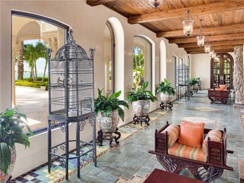 Ponen a la venta por $65 millones esta histórica mega mansión en Miami Beach, Florida
