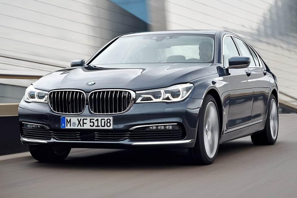¡Qué comodidad! Mira el vídeo del BMW G12 Serie 7 al estacionarse solo