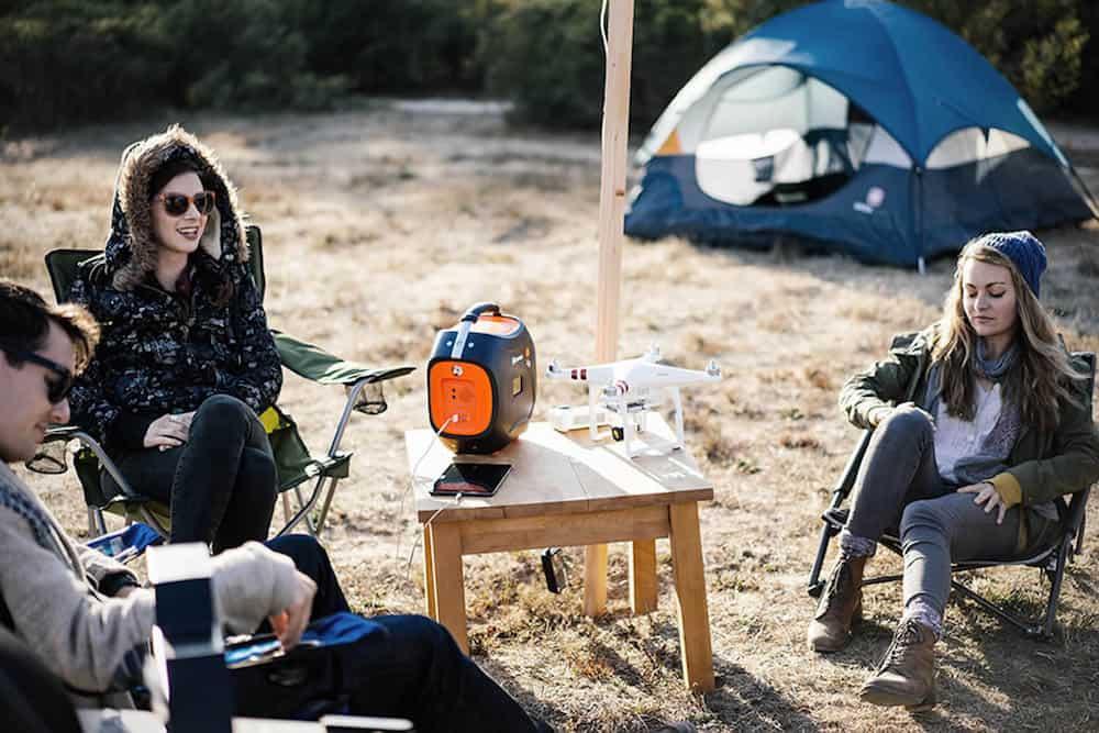 ¿Adoras el camping? Este Jackery Power Pro es un muy potente generador de batería portátil