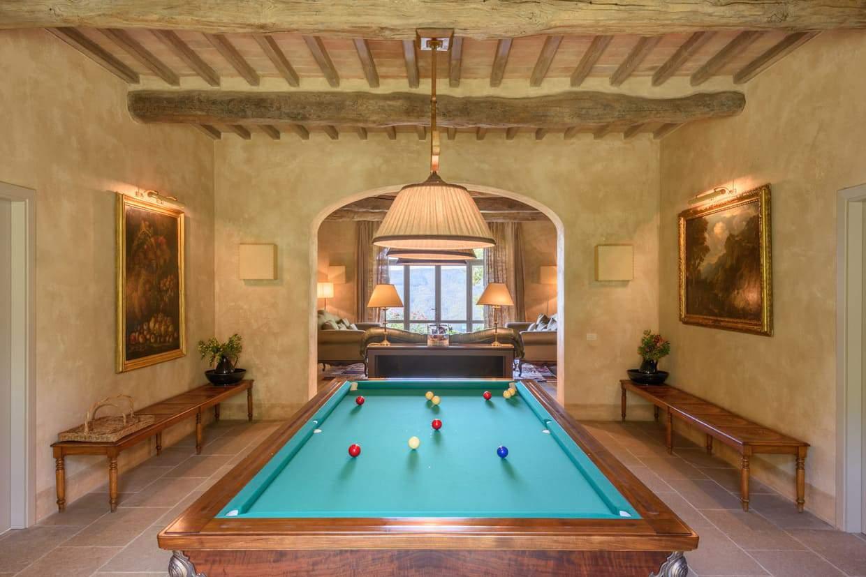 Este encantador castillo medieval en Italia puede ser tuyo por €35 millones