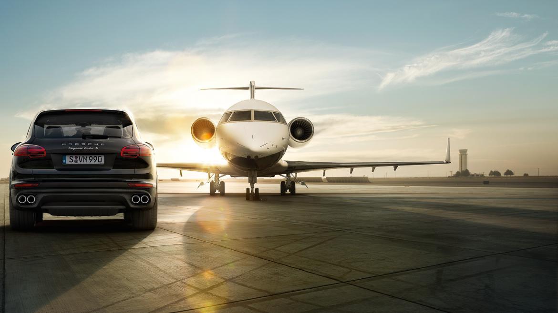 ¿Vuelas primera clase en Lufthansa? ¿Tú escala es de más de 3-HORAS? Entonces ¡Renta un Porsche 911 por SOLO 99 EUROS!