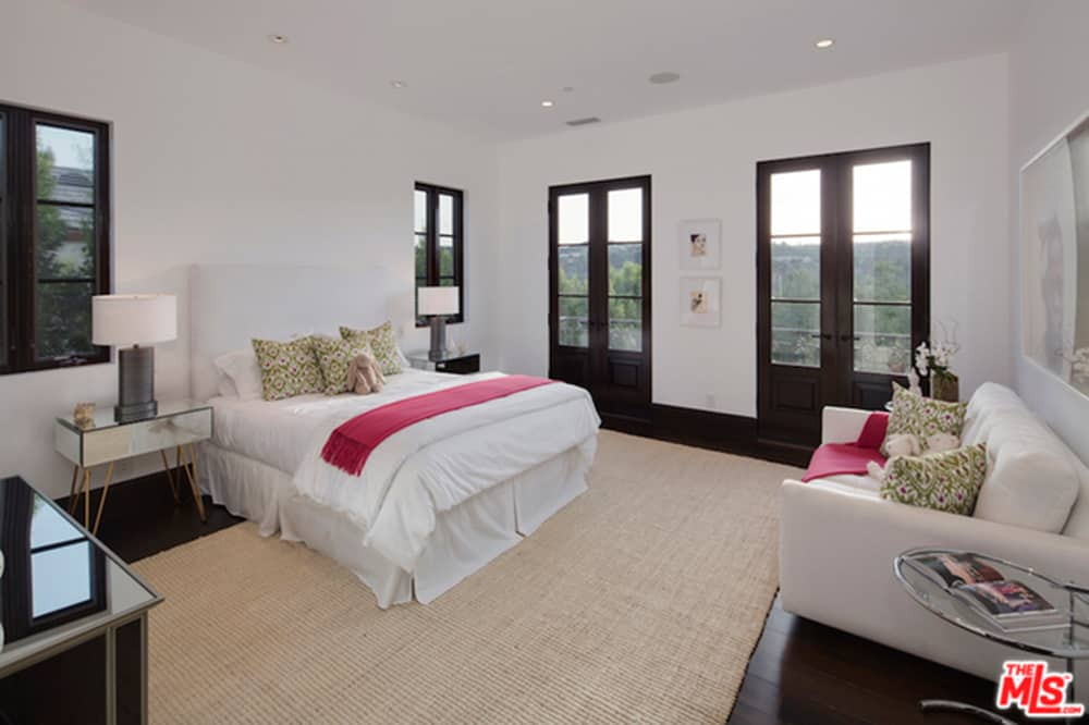 Comediante Kathy Griffin compra una nueva mansión por $10.5 millones en Los Ángeles, California