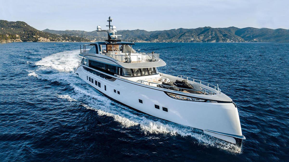 "Mega yate ""Jetsetter"" de Dynamiq ahora a la venta por €14 millones con Burgess"