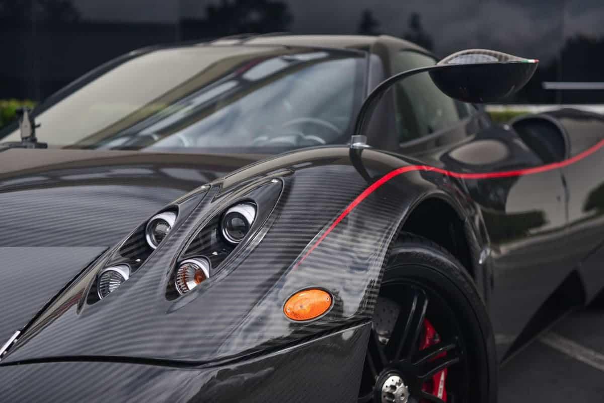 Este VIOLENTO Pagani Huayra en fibra de carbono está a la venta en California