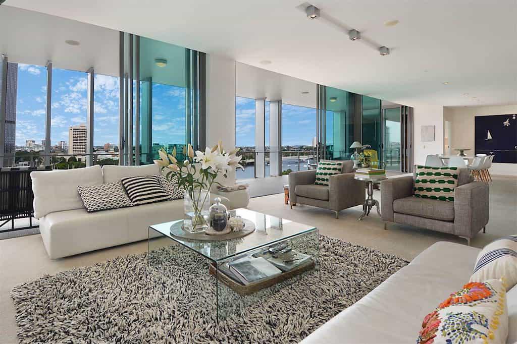 Este hermoso y contemporáneo penthouse con vistas a la ciudad en Brisbane, Australia está a la venta