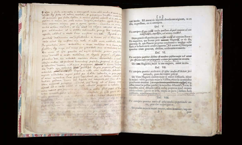 Copia original de la 'Principia' de Isaac Newton será subastada por $1 millón