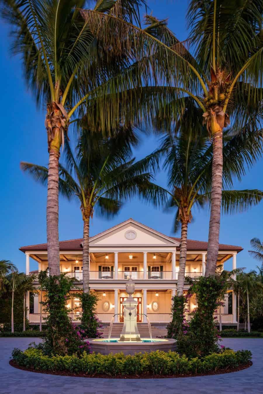 Disfruta de la alegría frente al mar en esta elegante propiedad en Palm Beach, Florida a la venta por $59 millones