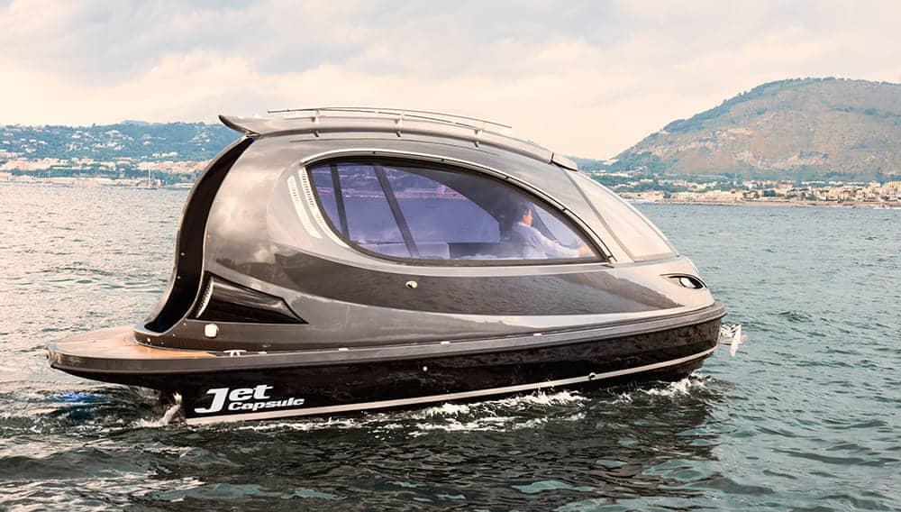 La futurista embarcación súper lujosa para que los ricos se diviertan en el agua